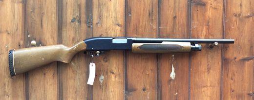 Winchester 1200 +quotRiot Gun+quot 12Ga Semi Auto Shotgun